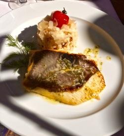 Filet de Saint-Pierre au beurre de basilic et risotto carnaroli aux cèpes