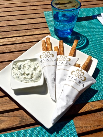 Gressins et crème légère de fromage blanc ciboulette