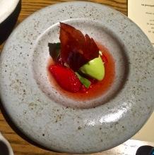 Sorbet estragon, fraise confite, consommé yuzu