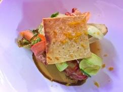 Croque-feuille de homard Breton à la poutargue, mayonnaise chaude au tamarin