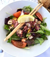 Poulpe de roche en salade
