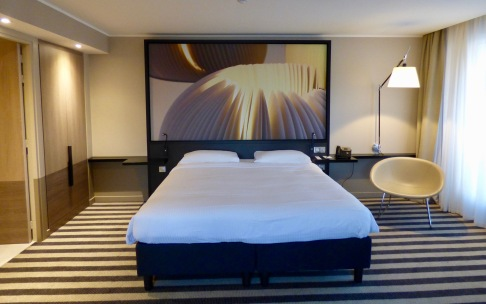 lit king size suite côté rue