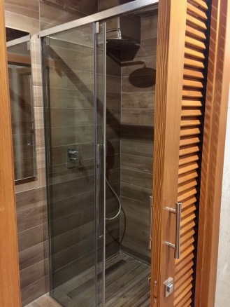 La douche dans les vestiaires