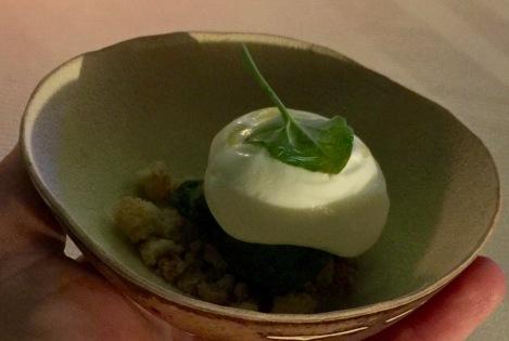 Sorbet yaourt à l'oseille, crumble épices