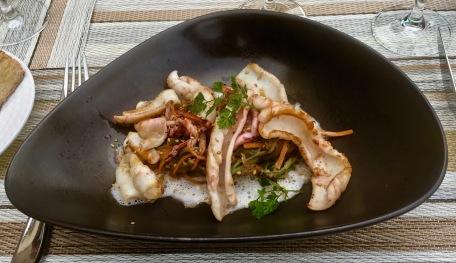 Calamars snacké gingembre sésame et légumes croquants