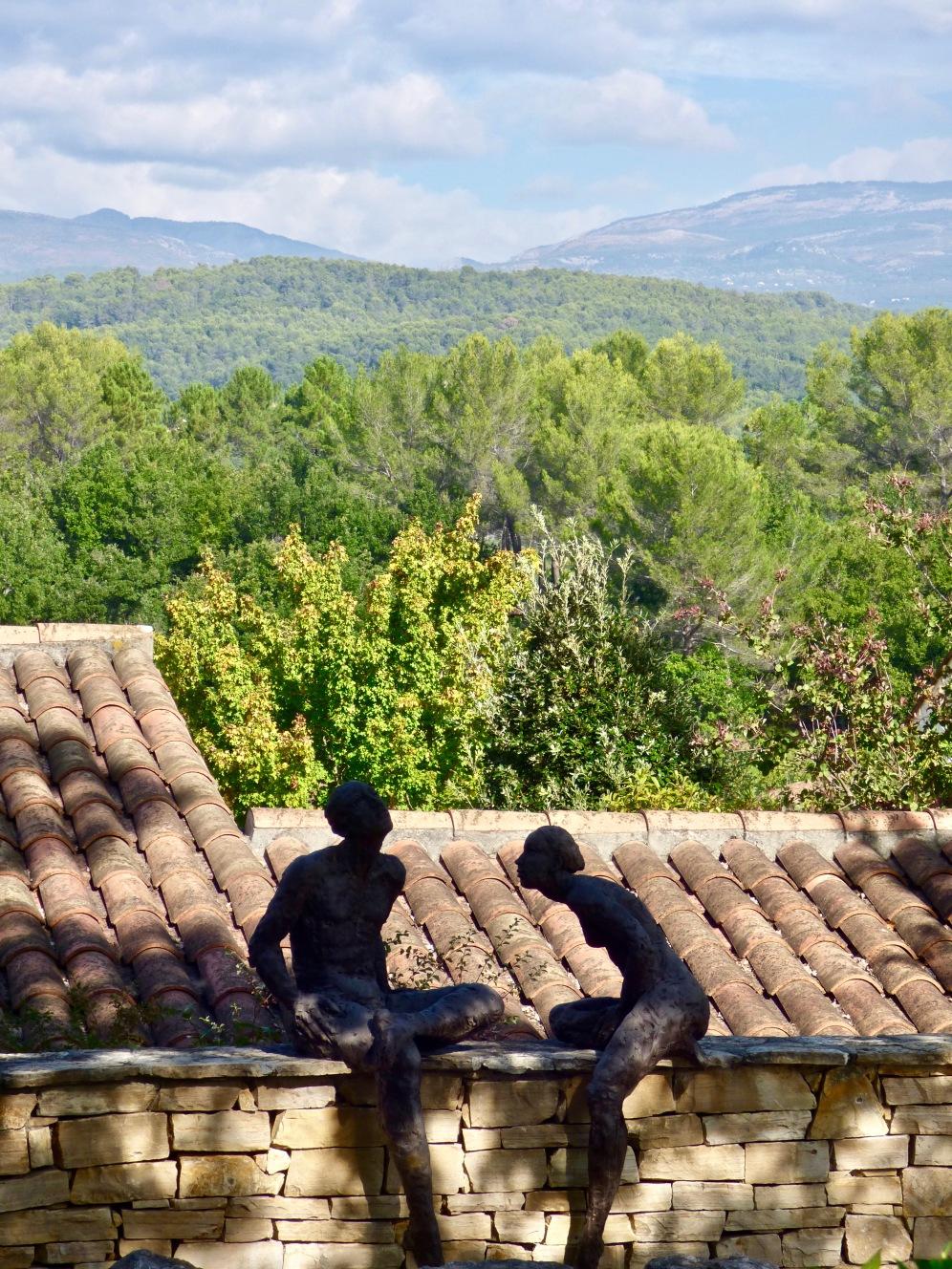 Art et vue sur les collines