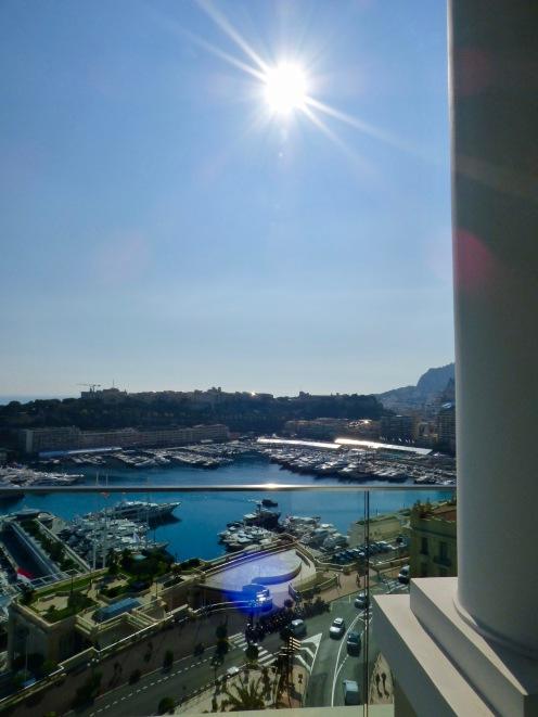 Vue plongeante sur le port de Monaco