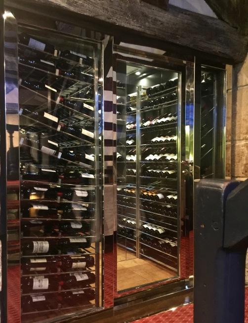 La cave à vin du Relais Louis XIII