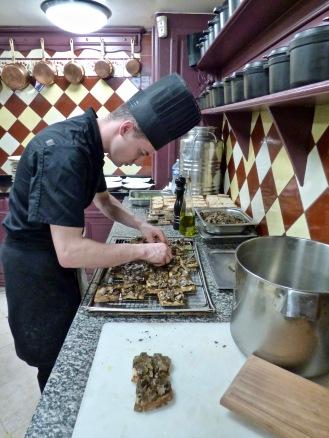 les cuisines et préparation des tartines de truffes ©lepetitlugourmand