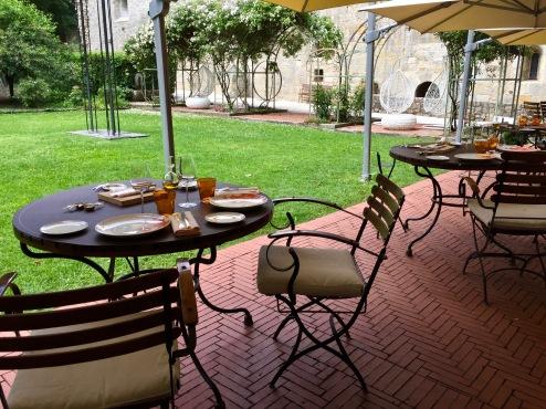 Déjeuner à l'Hostellerie de l'Abbaye de la Celle ©lepetitlugourmand