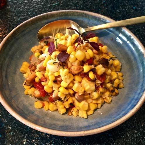 Trio de Maíz Maïs roti, maïs croustillant, oignon doux, piment rouge ©lepetitlugourmand