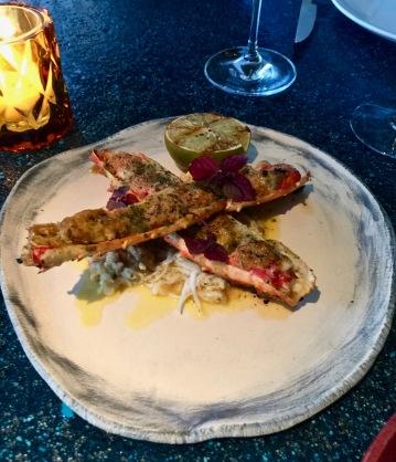 Rey Cangrejo King crab grillé au Josper, miso rouge, yuzu, aji amarillo ©lepetitlugourmand