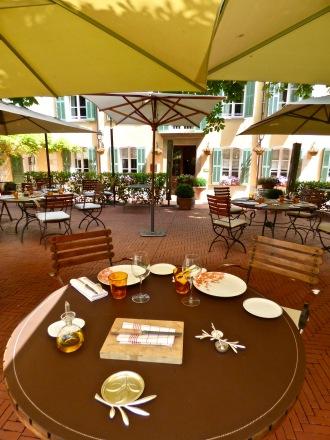 Déjeuner - Elégance et sobriété des Arts de la Table ©lepetitlugourmand