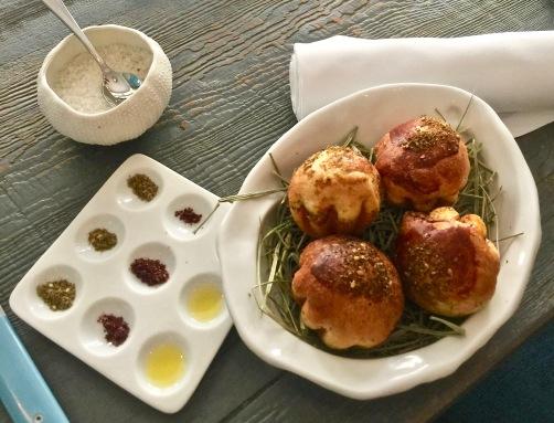 Brioche - Huile d'Olive, Sumac et Zaatar ©lepetitlugourmand