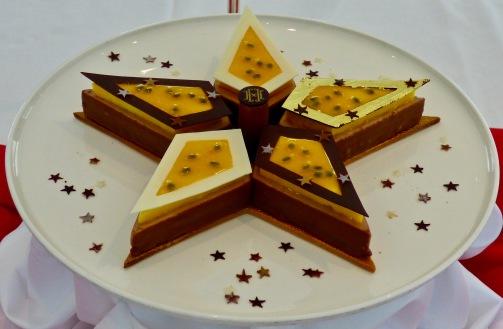"Bûche ""Constellation"" Nicolas Baygourry chef pâtissier à l'Hôtel Hermitage @lepetitlugourmand"