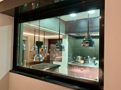 Vue de la salle des cuisines ©lepetitlugourmand