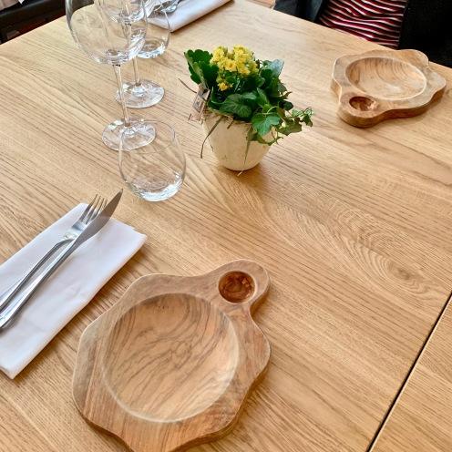 Assiettes à pain et à huile d'olive en bois d'olivier ©lepetitlugourmand