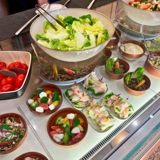 Comptoir salades et petites entrées ©lepetitlugourmand