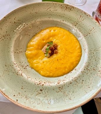 soupe de butternut au foie-gras poêlé ©lepetitlugourmand