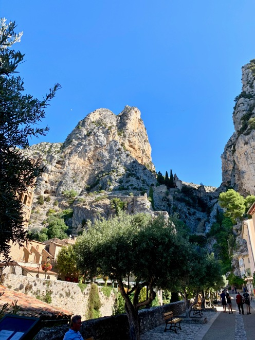 Moustiers-Sainte-Marie ©lepetitlugourmand