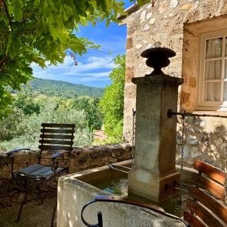 La terrasse tel un village provençal ©lepetitlugourmand
