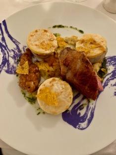 Oignon doux à la sarriette, polenta gratinée, selle d'agneau des Hautes-Alpes ©lepetitlugourmand