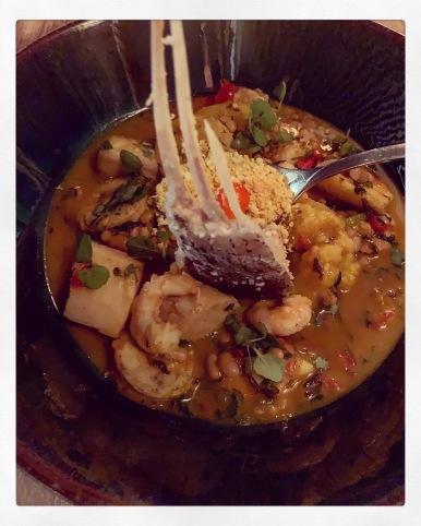 Comme un cassoulet amazonien - Tambaqui, crevettes, Maïs - ©lepetitlugourmand