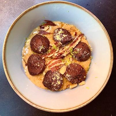 Moelleux au chocolat, Crème Caramel, Nougat, Croustillant de bacon ©lepetitlugourmand