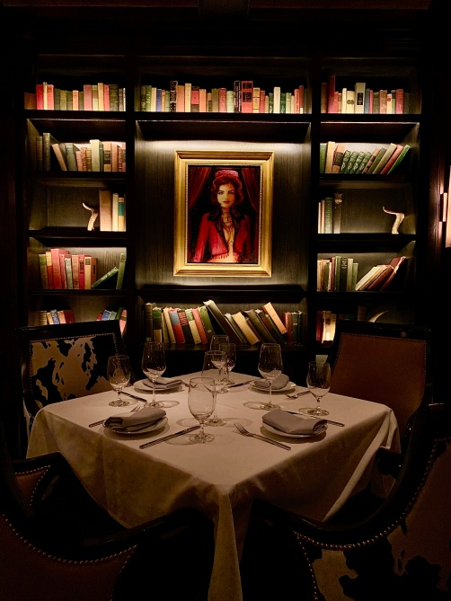 "Salle ""The Library"" ©lepetitlugourmand"