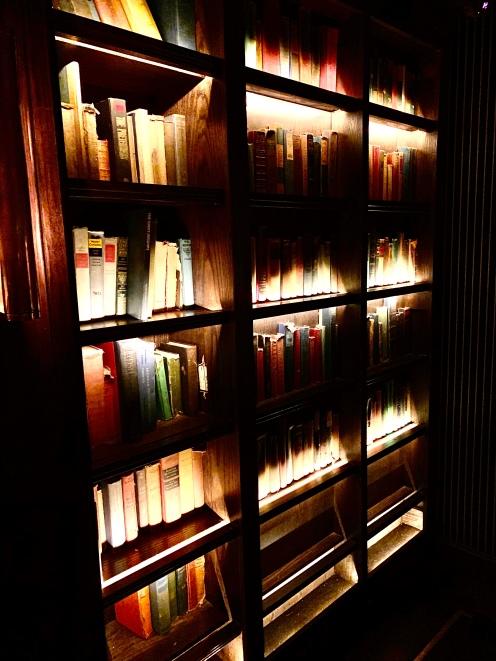 Bibliothèque ou porte ©lepetitlugourmand