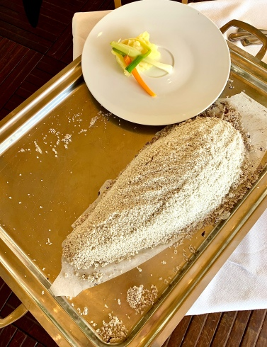 Daurade en croute de sel ©lepetitlugourmand