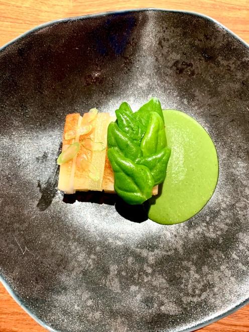 Calamar de Bordighera, pomme verte granny smith et tétragone ©lepetitlugourmand